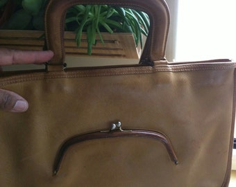 70s AUTHENTIC BONNIE CASHIN Camel Bag with Kiss Lock Pocket #737-4384