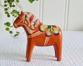 Old dala horse, vintage Swedish dalecarlian folk art, dalahäst, orange home decor, please view all details