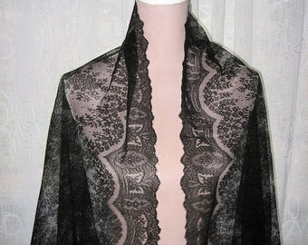 Antique Chantilly Lace Shawl 19TH Century Accessory Triangular Wrap Victorian Ethereal Black Silk Lace Exquisite and in Pristine Condition