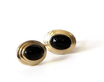 Avon Tailored Classic Gold and Black Oval Enamel Cabachon Clip Earrings