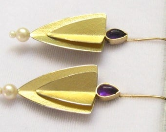 18K Gold Washed Sterling Silver Artisan Studio Earrings.  Amethyst Teardrop Cabs.  Stylish Tapered Modernist Art.  Artist Signed