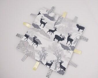 Deer Neutral Tag Ribbon Blanket Neutral baby Gift Moose Elk