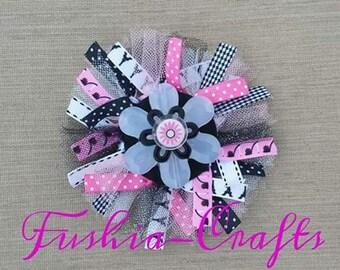 Beautiful Funky HairBow in Black, Fushia and White