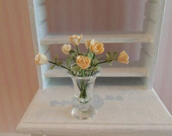 Dollhouse miniature roses in a vase (light yellow)