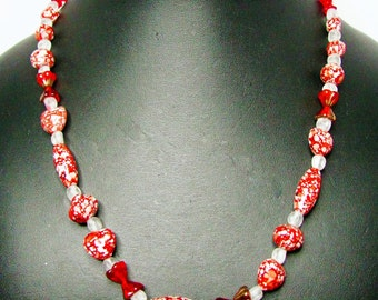 Red and White Speckled Glass Beaded Necklace - Item 292