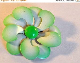 ON SALE Vintage Enamel Green Swirly Flower - So cute