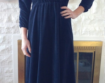 SIZE XS-S Velour Black Wrap Dress - Vintage