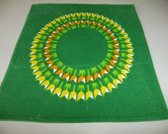 Vintage Swedish printed Spring tablecloth - Tulips in a ring
