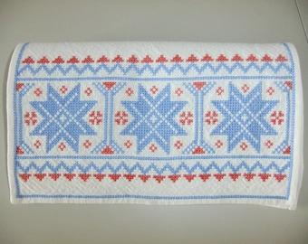 Vintage Swedish hand embroidered folk art tablecloth in cross stitch - Dalarna