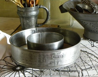 Antique FRENCH Bakery Rare Hand Pressed #7 Embossed FRIES Co. Fine Tin Funnel Cake Pan, Wide Edged Mold, No Baked on Old Blackened Grease