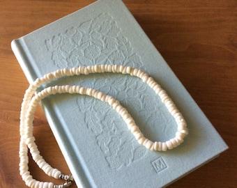 Vintage-70s Puka Shell Necklace-White Shell-Hawaiian-Gift Idea