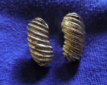 Vintage Trifari Earrings. Signed Clip On Style.  In excellent condition.