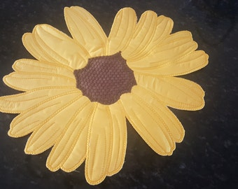 Daisy Placemat or Centerpiece