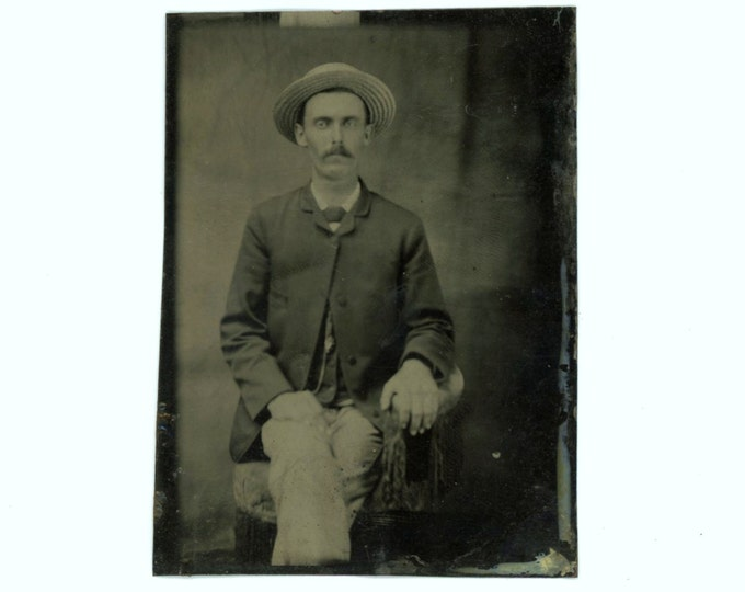 Tintype 1/6 Plate Antique Portrait Photo: Seated Man, 1800s (611518)