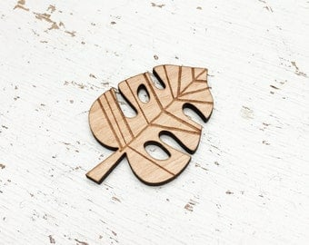 CHARACTER : Monstera Brooch Pin