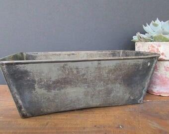 Tin Loaf Pan Vintage Rustic Kitchen Farmhouse Decor Metal Bread Pan Rustic Planter