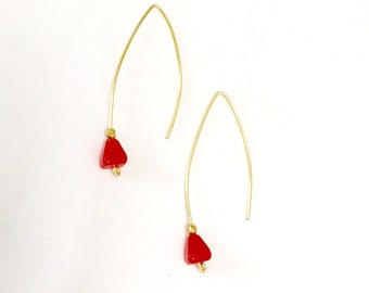 Red Drop Earrings / Long Drop Earrings / Gold Earrings / Red and Gold Earring / Simple Jewelry / Gold Drop Earrings / Minimalist / Red Bead