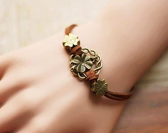 The vintage forest is a lucky string bracelet 0316