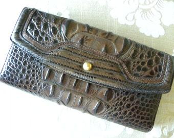 Brahim Wallet, Brahmin Leather Wallet, Alligator Embossed Brown Leather Wallet, Brahmin Check Wallet, Near Mint Condition
