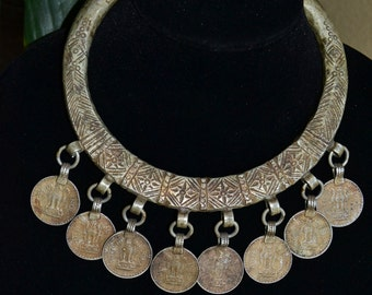 Vtg 80's Massive India piece of Art Antique engraved Rajasthan Gypsy Goddess Ceremonial statement Ring torque choker bib coin Rupee necklace