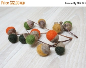 ON SALE 12 felted acorns natural caps wool balls (0.4-0.5 in. size) green yellow grey blue pink purple orange brown small on stem