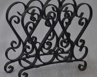 """eb2041 Vtg 50s 60s Napkin Holder Intricate Wrought Iron Lacy Design 5.25 x 5.75 x 1.5"""" wide. Some surface wear/rust."""