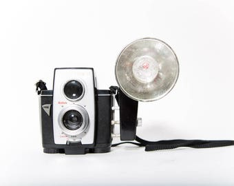 Brownie Reflex 20 Camera 1960s Attached Flash and Manual