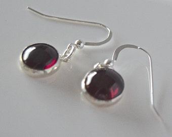 AAA-GRADE Garnet Round Sterling Silver Earrings