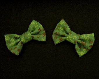 Green: 2 Mini Hair Bows