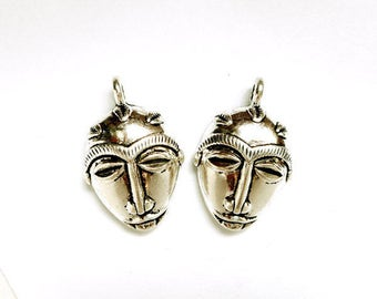2 Antique Silver African Mask Pendant/Charms - 30-30