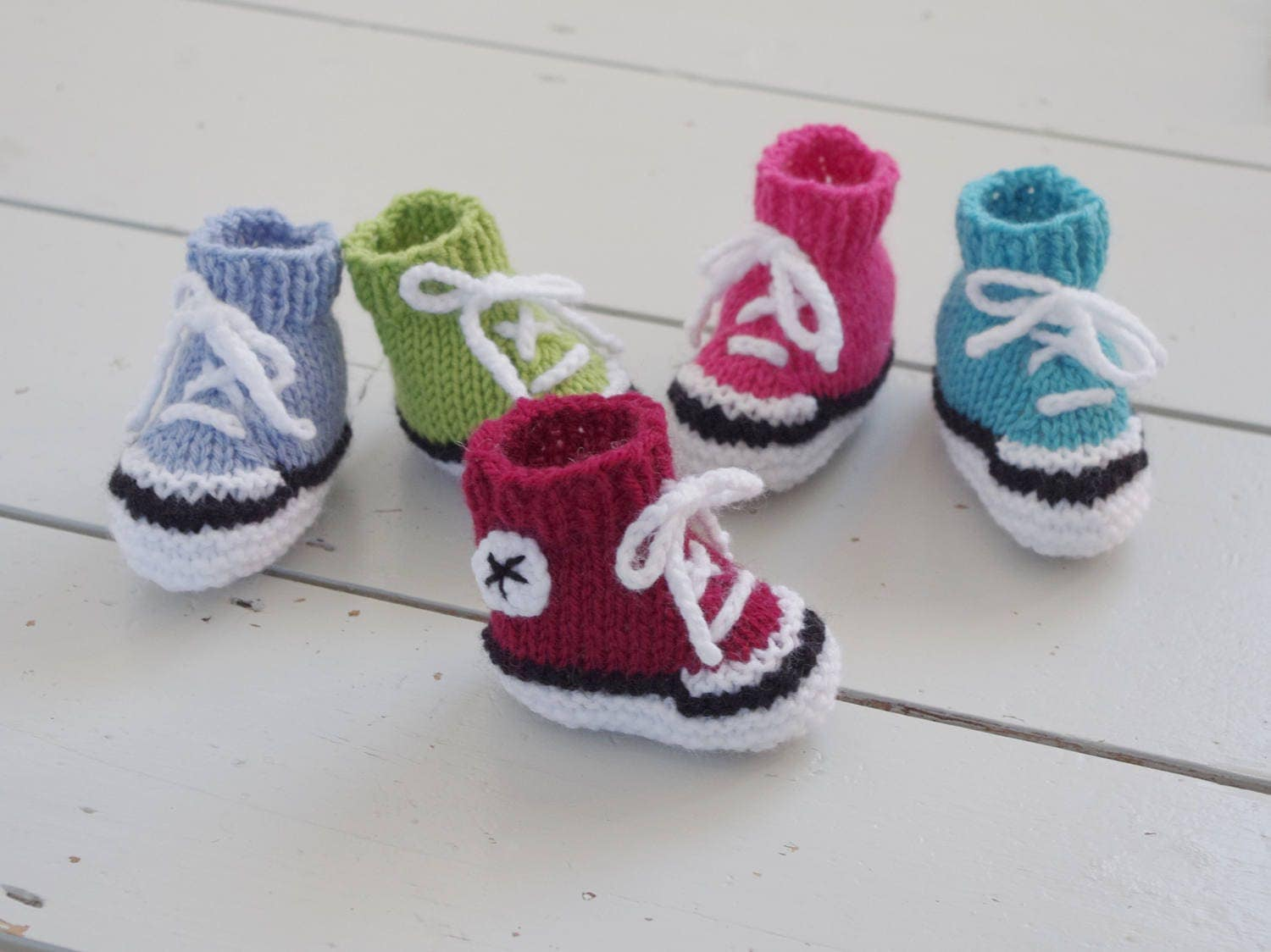 Easy Knitting Pattern For Babies Booties : Easy simple baby booties knitting pattern instructions