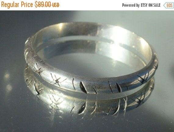 SALE 40% OFF Vintage Taxco Mexico Solid Sterling Silver 925 .925 Mexican Bangle Bracelet Cuff Shadow VTG Chased Chasing Repousse