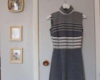 1970s sleeveless navy grey striped turtleneck dress