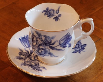 Crown Staffordshire CRS20 English Fine Bone China Cup and Saucer Set