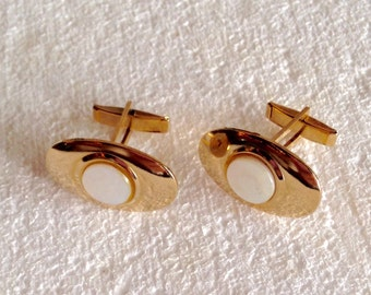 Vintage 1940s Cufflinks Mother of Pearl Gold Tone Setting 1950s Men's Suit and Tie Accessories Retro Vintage Men Cuff Links Mid Century Men