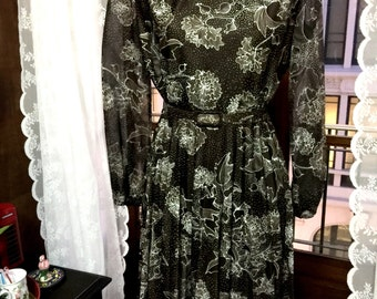 Sometimes I think I'm a Lady - 70s day dress