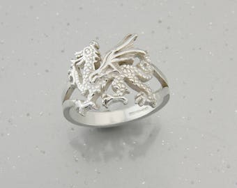 Welsh Dragon Ring in Sterling Silver.