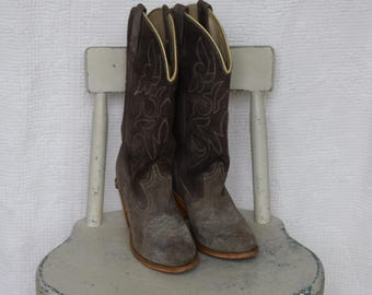 Grey Suede Feather Stitched 'Acme' Cowgirl / Cowboy Boots - Women's 7 N