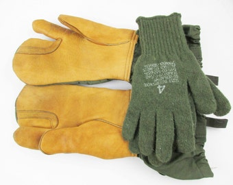 Militaria - Size Large 'Trigger Finger Winter Gloves'- Cotton Canvas With Leather Palms - Army Green - c. 1965 - Illinois Glove Company