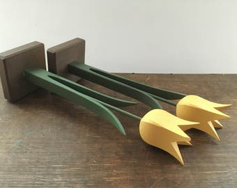 Vintage wooden tulips Hand carved yellow tulips Set of 2 Home Garden decor Wooden flowers Handmade small wood tulips