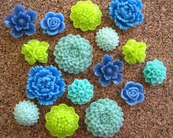 Pretty Thumbtacks, 16 Flower Pushpins, Shades of Blue and Green, Office Supply, Bulletin Board Thumbtacks, Wedding Decor, Housewarming Gift