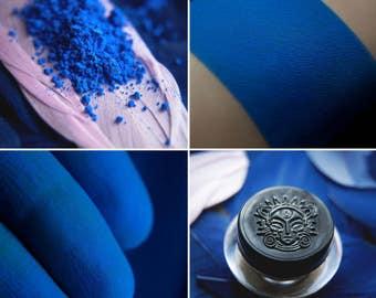 Eyeshadow: Blue Bird - Dark Castle. Pastel neon blue matte eyeshadow by SIGIL inspired.