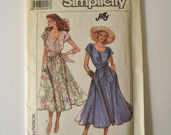 Simplicity Jiffy Sewing Pattern 9195 Dress Pullover Full Gathered Skirt Scoop Neck Sash Summer 1980's Fashion Size 6 8 10 12 14 UNCUT