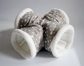 cosy cuddle X-tunnel / roll for guinea pigs, hedgehogs or sugar gliders (stars on grey/creme-white)