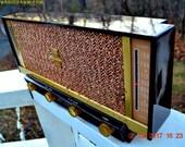 BROWN DELUXE Mid Century Retro Antique Vintage 1957 Silvertone Model 11 AM Tube Radio Totally Restored!