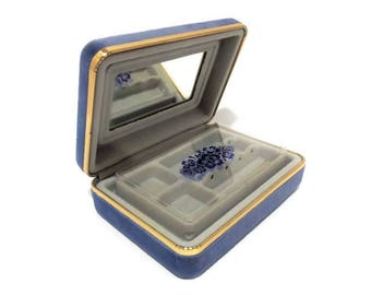 Vintage Baby Blue Velveteen Clam Shell Travel Jewelry Case/ Small Multi Compartment Jewelry Case/ Elegant Compact Mirror Earring Ring Case