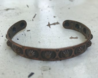 Copper Cuff Bracelet. Vintage navajo Design. Stamped cuff Native American. 1960s. Trading post. jewelry. southwestern Rr Zz