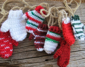 Funky Christmas mitten garland (3.5 ft) / Hand made garland / mitt banner / Christmas Garland / Free shipping
