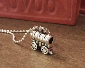 COVERED WAGON NECKLACE
