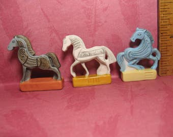 Modern Horse Sculptures Statues Retro Mid Century Horses -  French Feve Feves Porcelain Figurines Doll House Miniatures Mini KK60